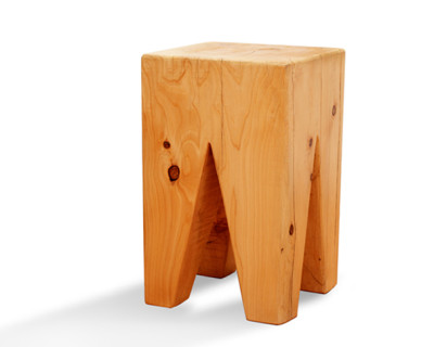 Bench triangular